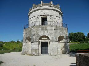 Mausoleo di Teoderico il Grande. Pietra d'Istria, 520 ca. Ravenna.